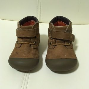 Stride rite brown shoes